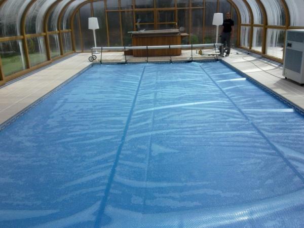 Lonas para piscinas cobertores para piscinas en madrid for Piscina orcasitas madrid